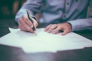 relocation-signing-bonus-vs-relocation-package-urbanbound